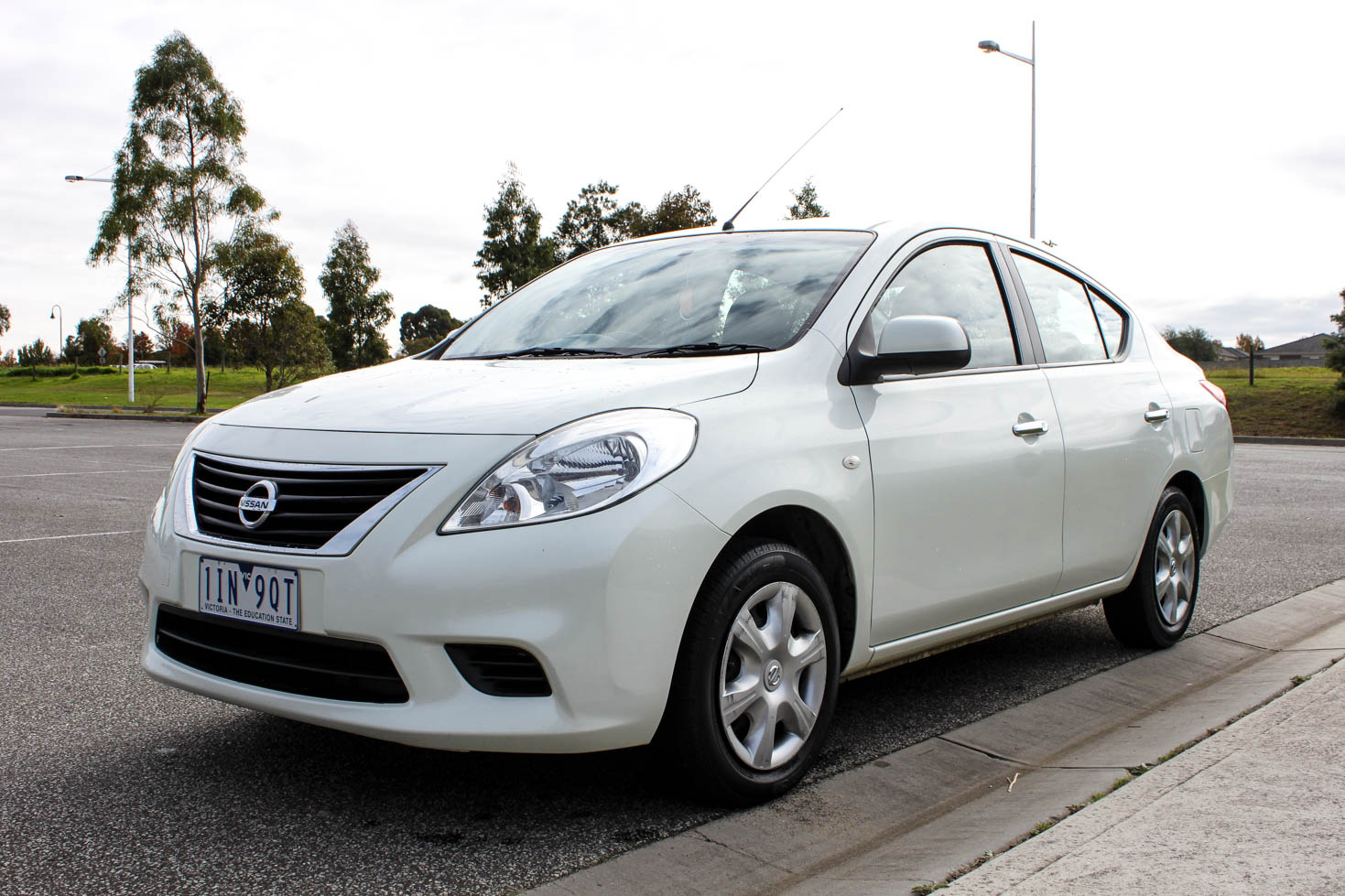 2013 nissan almera st find me cars. Black Bedroom Furniture Sets. Home Design Ideas